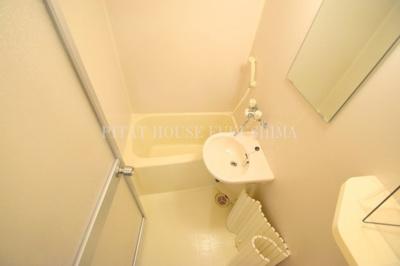 【浴室】プリーゼントA