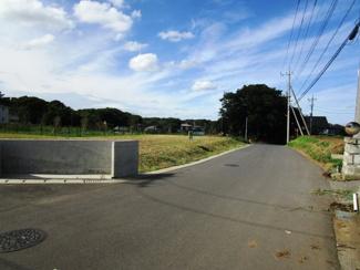 グランファミーロ八千代緑が丘 土地 八千代緑が丘駅 南東側6mの公道に面しています