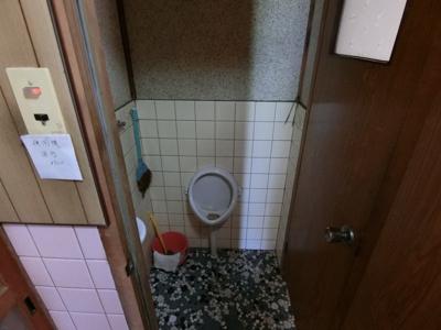 トイレは2か所に分かれています。