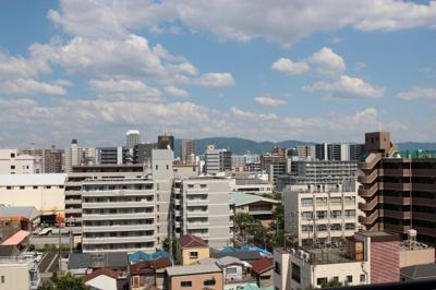 天気の良い日には生駒山が見えますし、上層階ですので眺望良好ですね♪