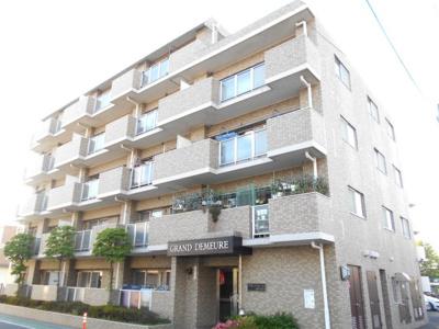 角部屋・角住居。東南バルコニー。3LDK。880から830万円に価格変更。