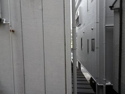 川原貸家 2階、洋室4.8帖の窓からの景色