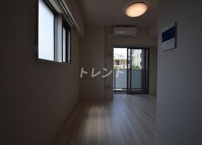 【居間・リビング】プレールドゥーク神楽坂