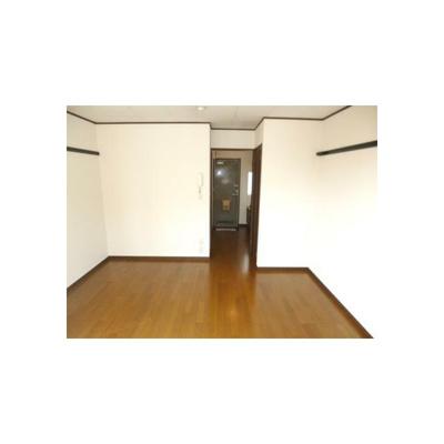 ネオ・リビエールIの洋室