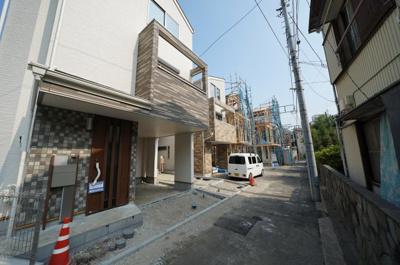 【前面道路含む現地写真】保土ヶ谷区和田2丁目 全6棟新築戸建て【成約】