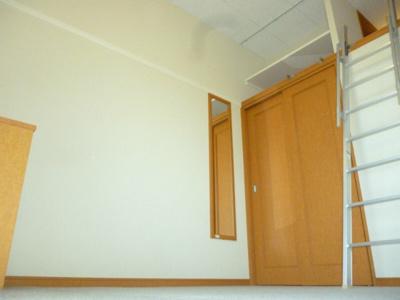 【寝室】レオパレス甲子園口