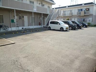 【駐車場】ホワイトハイツA