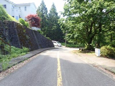 【前面道路含む現地写真】南足柄市塚原