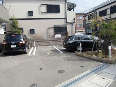 【駐車場】メゾン・ド・プルーズ