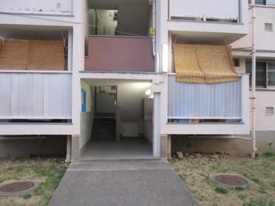 【エントランス】狩口台住宅21号棟