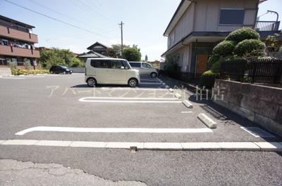 【駐車場】ドゥ リアン ファミリオ