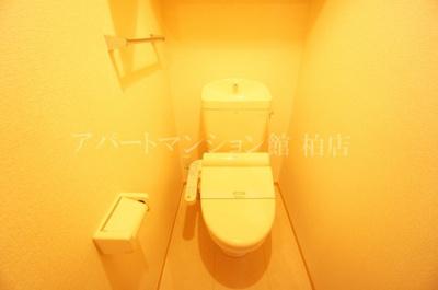 【トイレ】ドゥ リアン ファミリオ