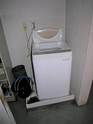 共用の洗濯機(3台)