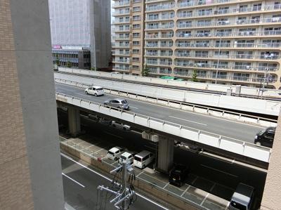 【現地写真】バルコニーからの眺め♪周りに高い建物もございません♪