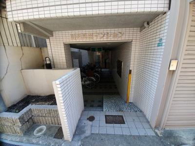 【エントランス】川西高田マンション