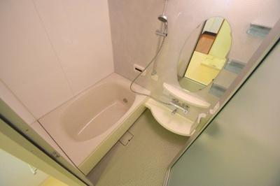 【浴室】メイプルガーデン梅田