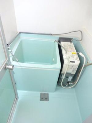【浴室】ホワイトヴィラ