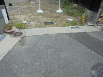 【前面道路含む現地写真】寝屋川市中木田町 新築一戸建て