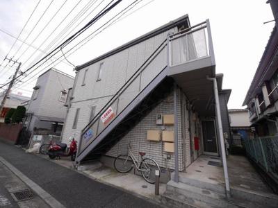 セキスイハイム施工・外壁タイル張りのアパートです。
