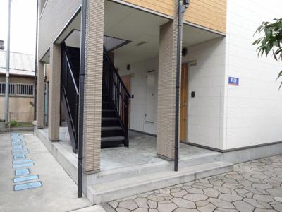 【エントランス】リバーサイド 東久宝寺 八番館