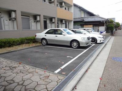 【駐車場】リバーサイド 東久宝寺 八番館
