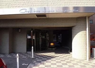 【エントランス】ジュネーゼ梅田北プラウディア