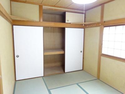 2階和室6帖押入 全居室に収納がありスッキリ暮らせる間取りです。