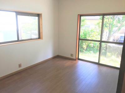 1階洋室6帖 令和2年8月、クッションフロア貼り。