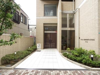【エントランス】ロイヤル西宮駅前アイシス