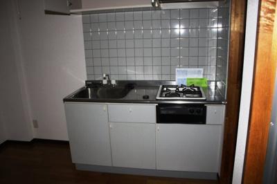 システムキッチンガスコンロ付コンパクトなキッチンで掃除もラクラク