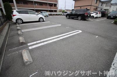 【駐車場】プラムガーデン