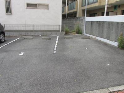 【駐車場】フローレス芦屋