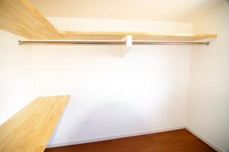 【施工例】ウォークインクローゼット お部屋が片付いて、スッキリします!