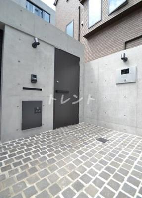 【エントランス】シエラヒガシシンジュク【Sierra Higashi-shinjuku】