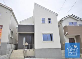 2号棟 現地(2019年6月)撮影 堂々完成しました!即入居可能♪ 土地面積118.68㎡(35.90坪)、建物面積101.03㎡(30.56坪)。 『家事に優しい家』陽当たり良好です!