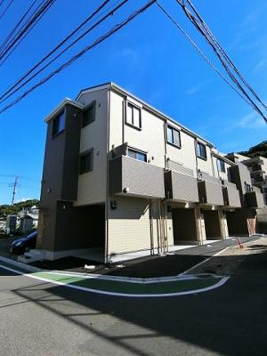 2019年9月完成予定!ペット2匹OK!ワンちゃん・猫ちゃんと一緒に暮らせる3階建て新築テラスハウスです☆