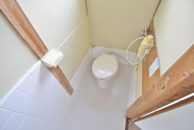 【トイレ】高鷲5丁目貸家