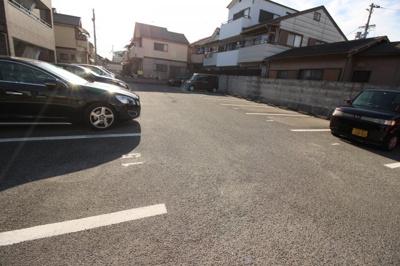 【駐車場】メゾンドショコラ八尾木
