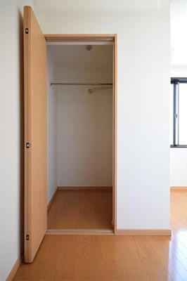 ひかり.BLD ※別号室の写真です。
