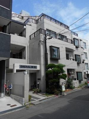 阪神「御影」駅から徒歩6分のマンションです。