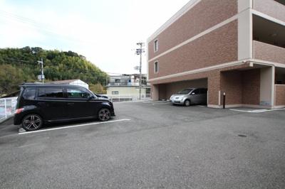 【駐車場】ガーデンコート