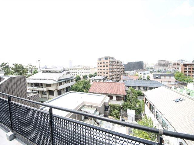 周辺には高い建物もなく5階からの眺望も良好です
