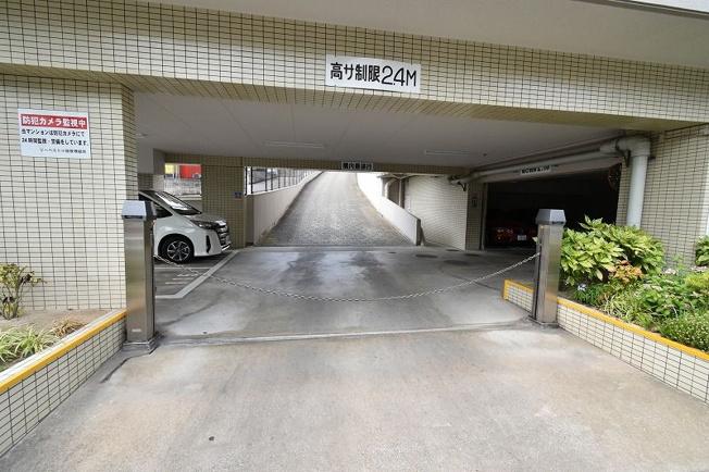 【駐車場】リーベスト小笹 東棟