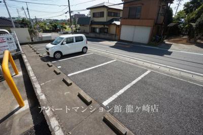 【駐車場】メゾン・コリーヌ