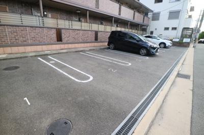 【駐車場】クリエ西山本