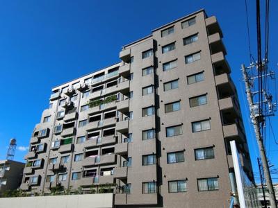 9階最上階、3方向角部屋!天気の良い日は西新宿の高層ビル群が一望できます。「東中野」駅徒歩9分、の好立地。