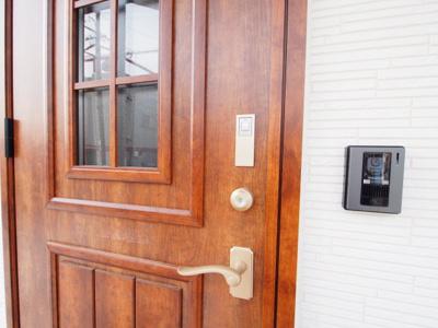 タッチキーなので玄関で鍵を探さずピッと開錠!