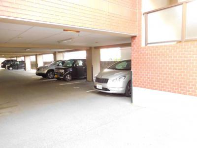 【駐車場】サンワロイヤルマンション