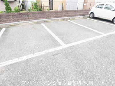 【駐車場】グランセレッソ弐番館
