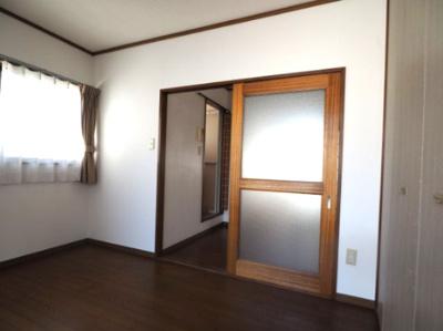 【居間・リビング】本山中町1丁目 2階建て